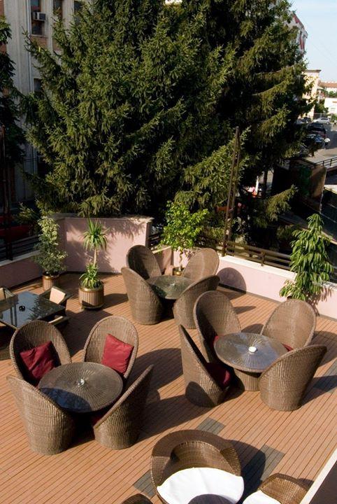europa_summer_garden_-_hotel_europa_botosani
